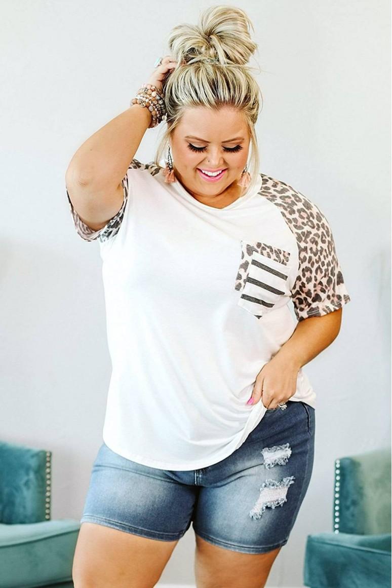 Лятна бяла тениска с леопардови ръкави