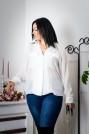 Ефирна бяла дамска риза с джобове