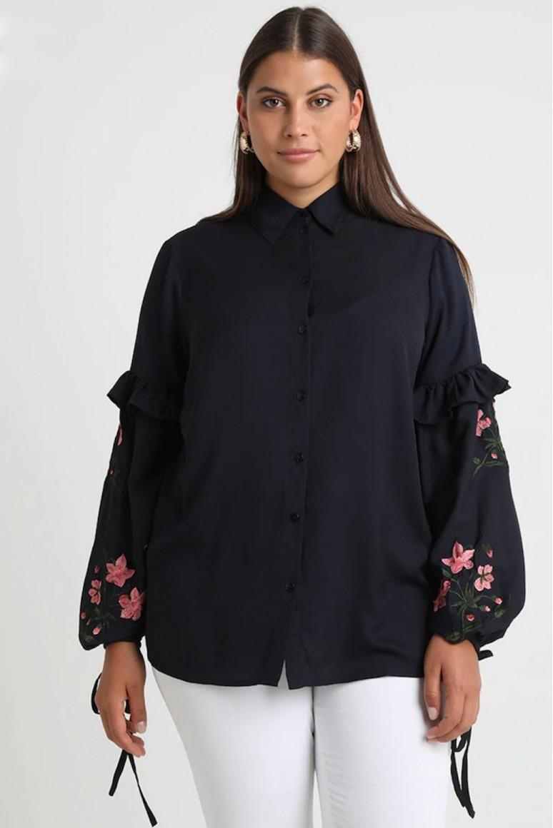Макси риза с бродирани цветя на ръкава
