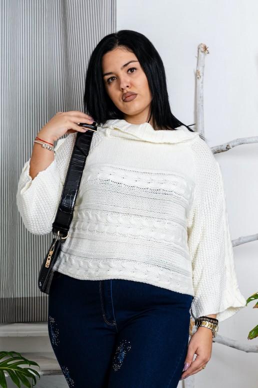 Бял макси пуловер с широка оплетка