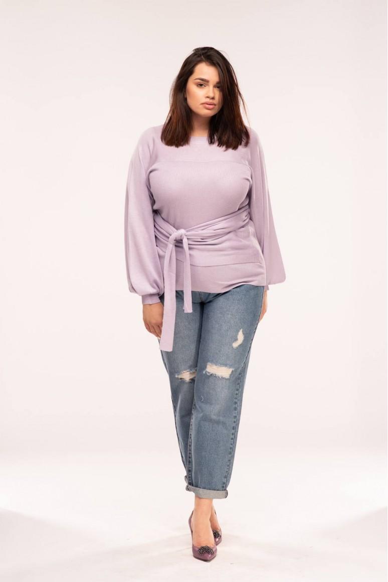 Пуловер с ръкави балон и колан