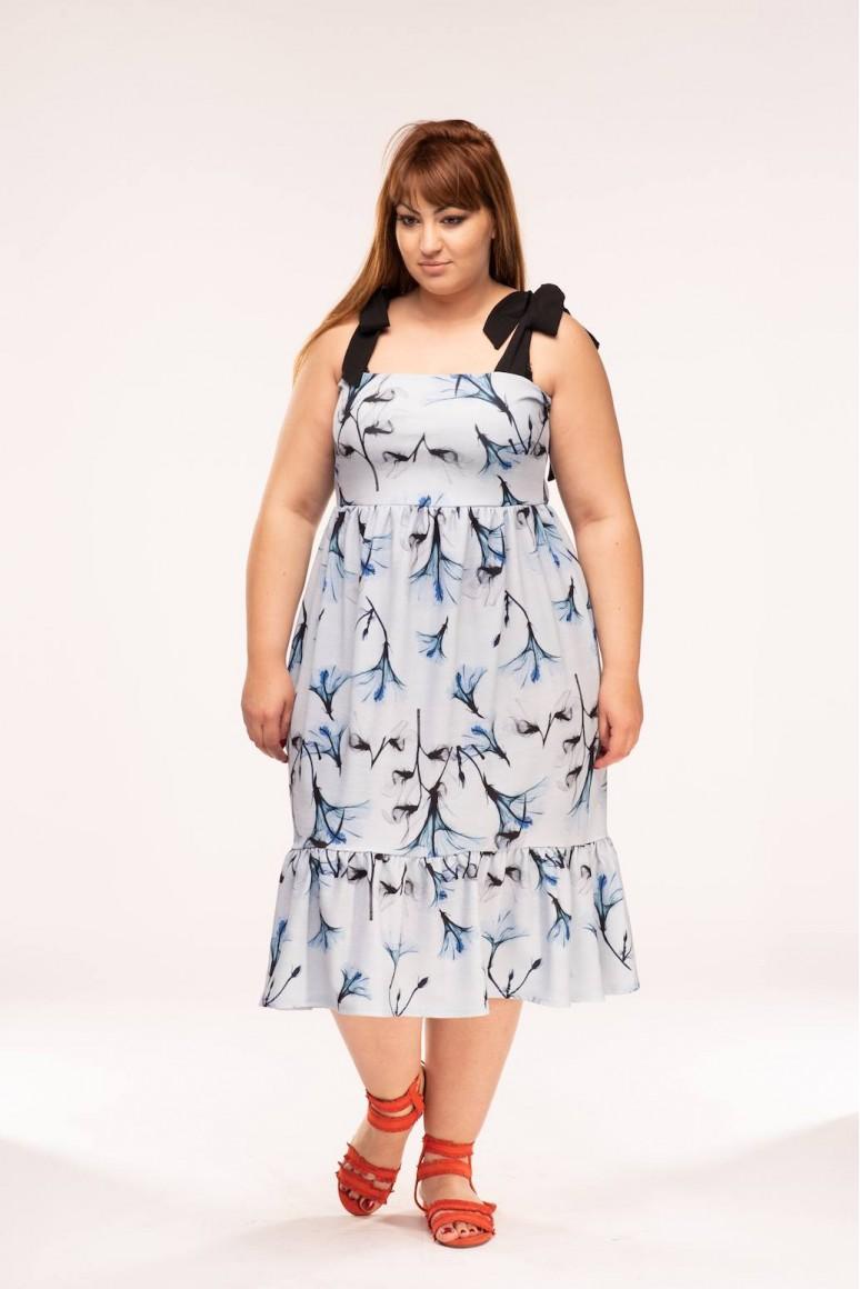 Лятна рокля с флорален десен и презрамки