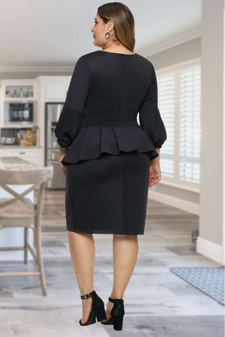 Черна макси рокля с пеплум